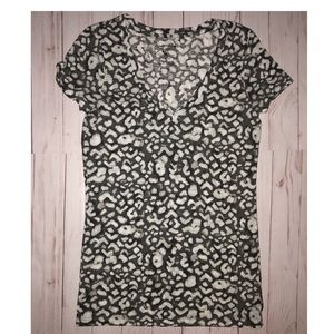 American Eagle animal print favorite tee size S